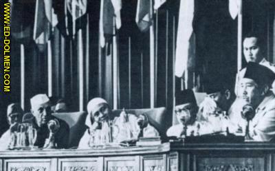 Bandung o la conferencia de los charlatanes